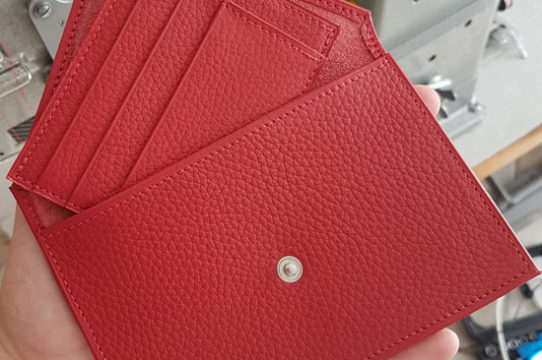 Lot de 2 pochette et porte carte rouge avec bouton pression